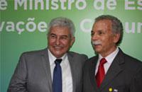 Imagem Diretor convida ministro Marcos Pontes para visita ao INPE