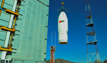 Imagem Satélite CBERS 04A é transportado para a torre de lançamento