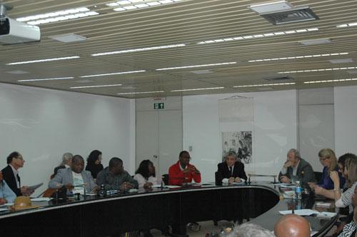 Delegação de Moçambique foi recebida na sala de reuniões da Direção do INPE, em São José dos Campos