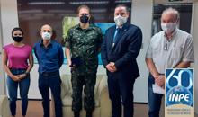 Imagem Diretor do INPE recebe comitiva do Arsenal de Guerra de SP