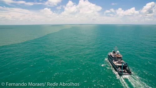 Navio Alucia na foz do Amazonas