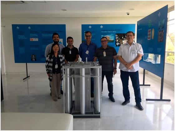 Imagem - A equipe do LABCP, do INPE, em visita ao Espaço Cultural Marcello Damy, do IPEN.