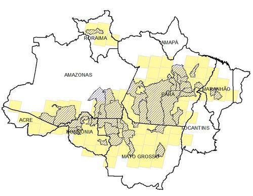 Áreas em amarelo indicam as 95 cenas Landsat selecionadas para a estimativa do PRODES 2017 e em azul os municípios prioritários