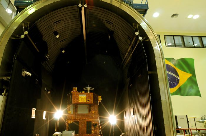 Câmara de simulação espacial do INPE